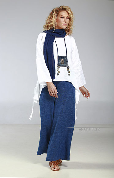 "Thin white linen loose fit Top ""Rubans"", it matches perfectly with our blue stonewash indigo Baba  pants for a casual coastal spirit...A high quality European flax, souple and strong"
