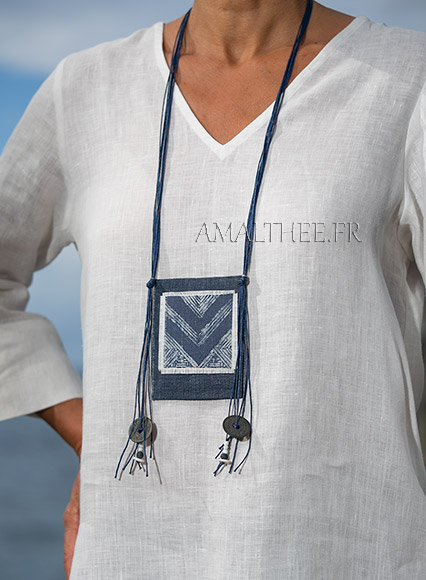 Textile necklace : indigo blue batik piece