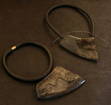 contemporary buffalo horn necklace