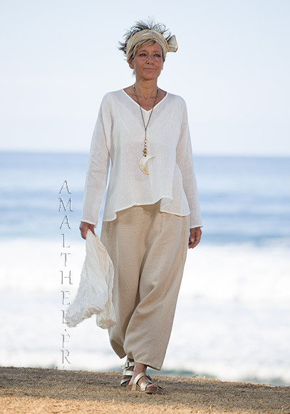 Natural white linen gauze tunic Dana  flared on the hips and V necklin, we match it with our sand beige linen sarouel skirt