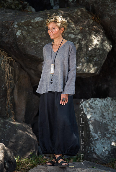 Black and grey linen outfit :