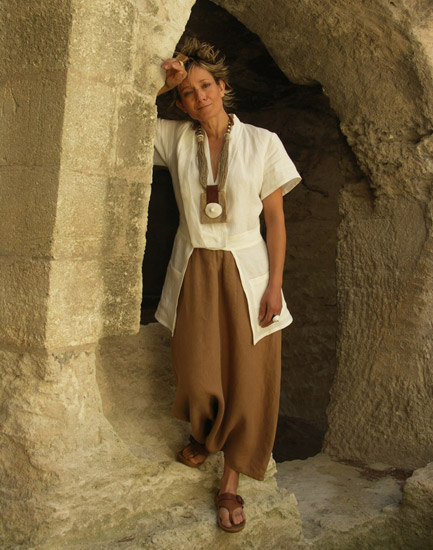 white linen jacket 'saharienne' and brown sarouel