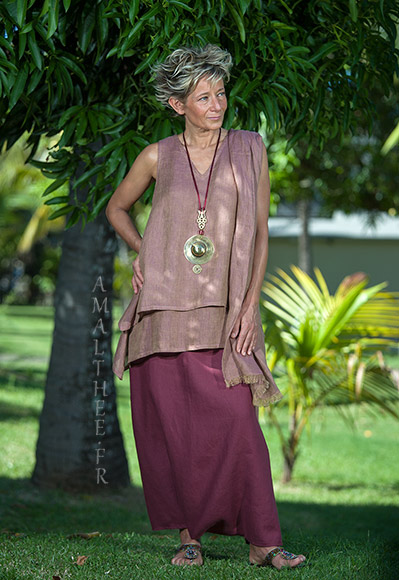 Rosewood linen gauze tunic with raspberry linen sarouel skirt