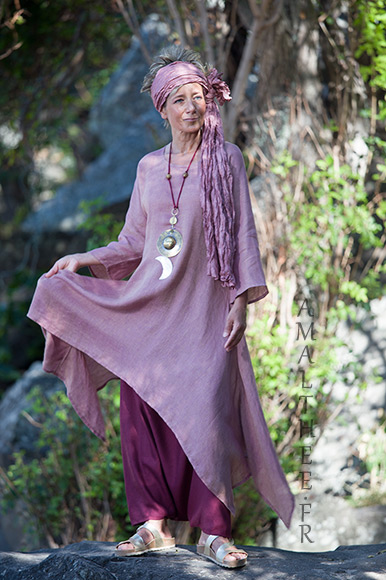 Rosewood and raspberry for this linen outfit...