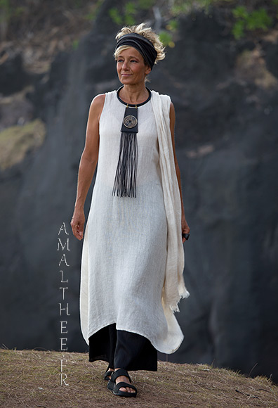 Long oatmeal linen gauze tunic lili layered on our wild legs black linen baba pants for Couleur lin clothing