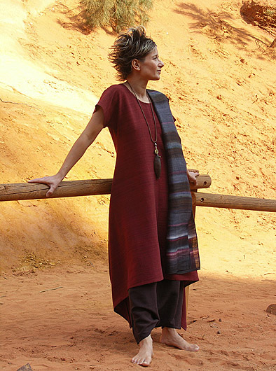 Ethnic style clothes: Raw silk tunic 'dark red'.