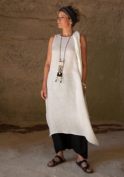 oatmeal linen gauze tunic and black sarouel