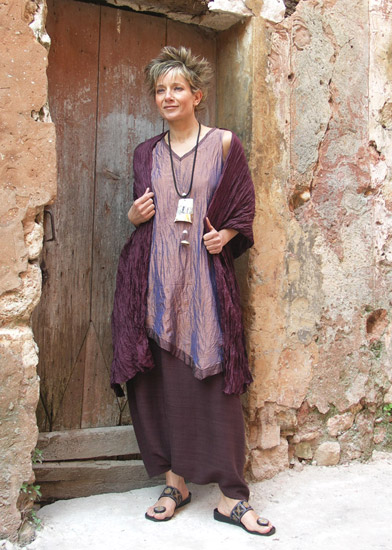 Silk taffeta tunic and sarouel made of raw silk