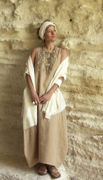 ROBE LONGUE EN LIN BEIGE chambray Amalthee Looks